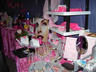 Firma Lydia Maron, selbstaendige Verkaufsdirektorin mit Mary Kay Cosmetics aus Krefeld