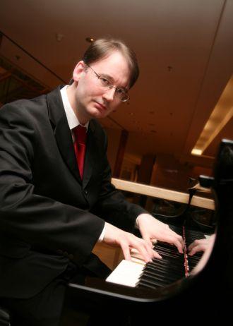 Firma Pianist bietet PIANO-LIVE-MUSIK und TANZMUSIK aus Berlin