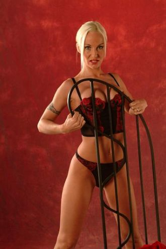 Stripperin   ab 179 Euro in Siegburg