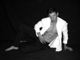 Firma Stripper Andrew   Menstrip mit Stil direkt beim Stripper buchen aus Leipzig